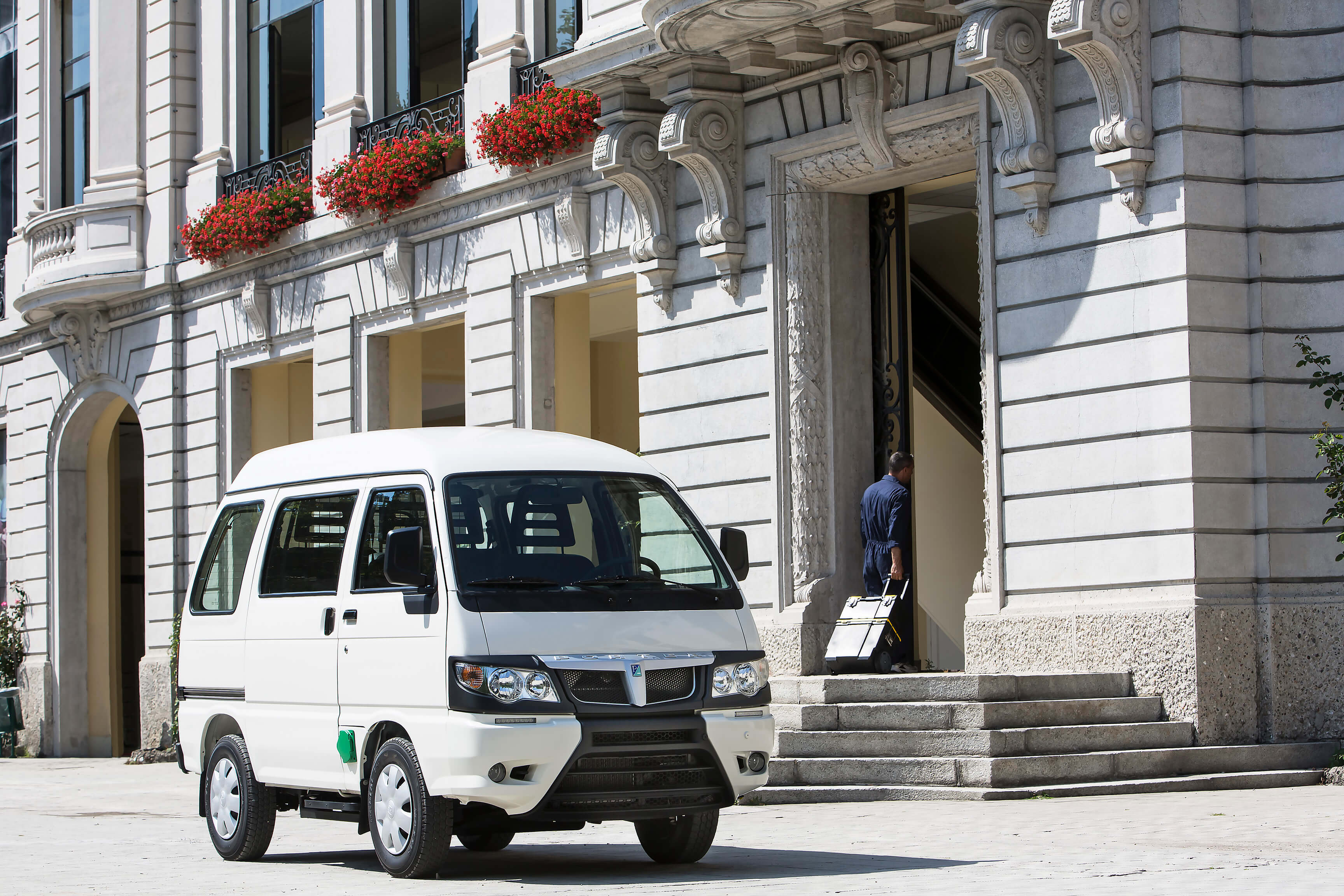 Piaggio Porter Glass Van