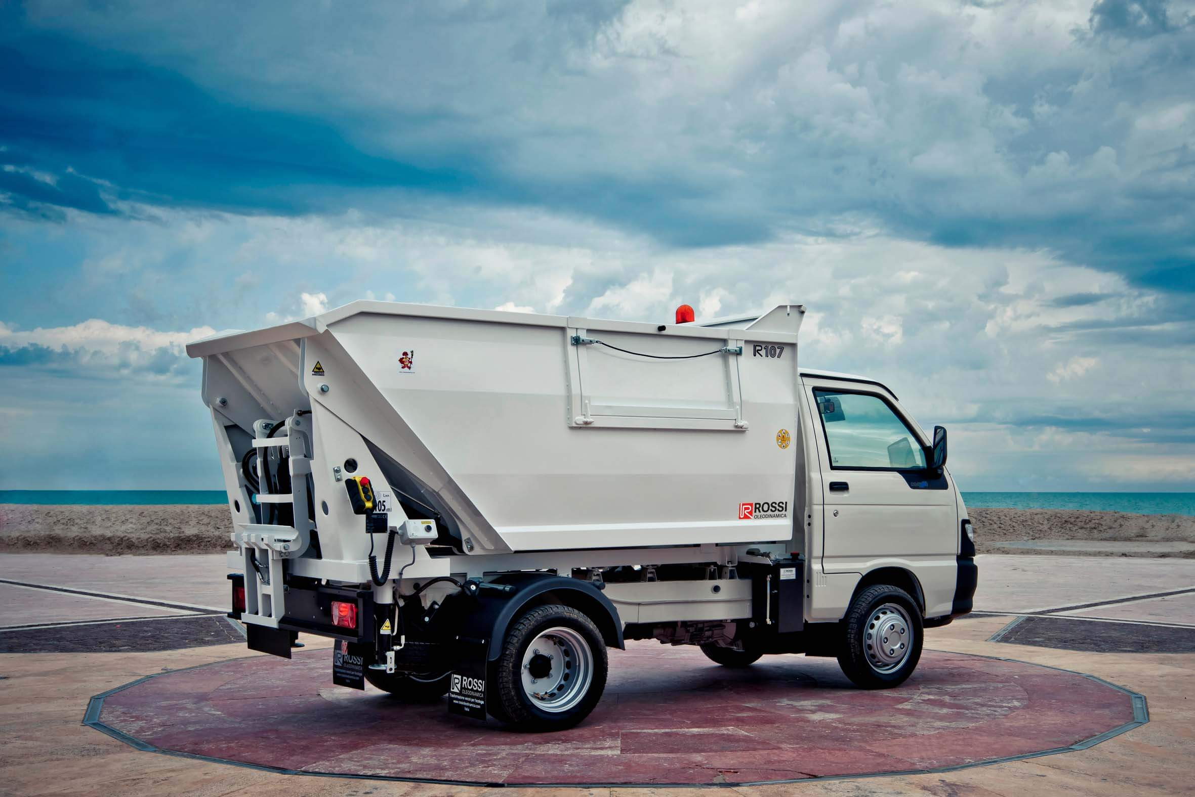 Rossi Oleodinamica tip-hopper vehicles
